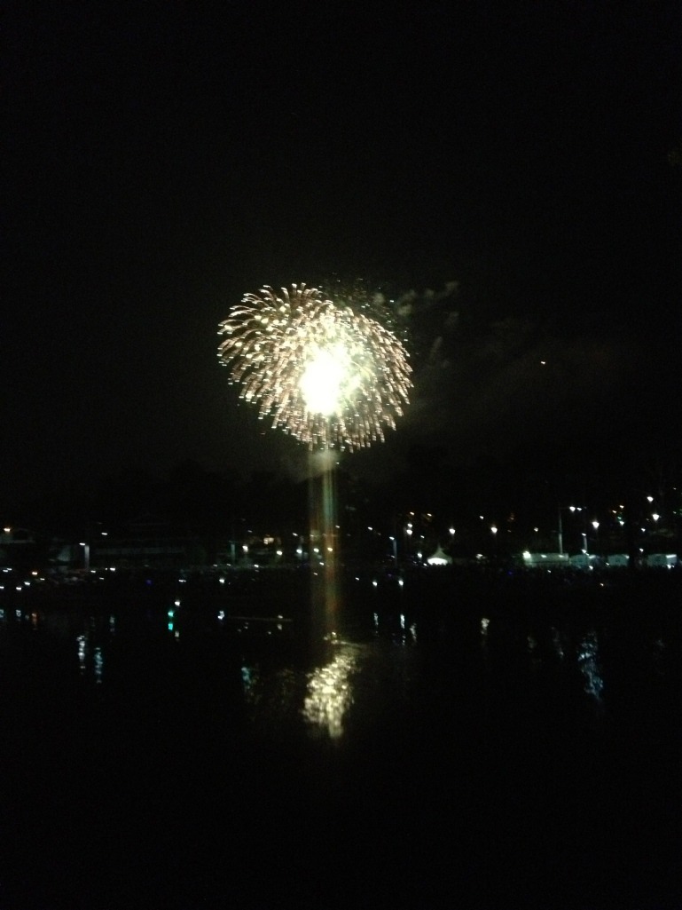 Beautiful fireworks over the Yarra River!